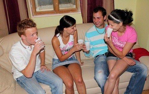 Пьяные девушки русские трахнули пацана 11