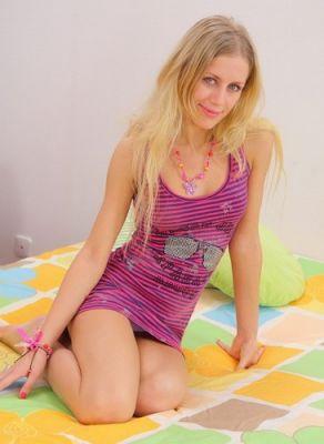 Чумазый шпилит в анал русскую блонди