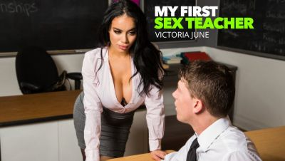 Виктория Джун учит студента колледжа, как правильно трахаться